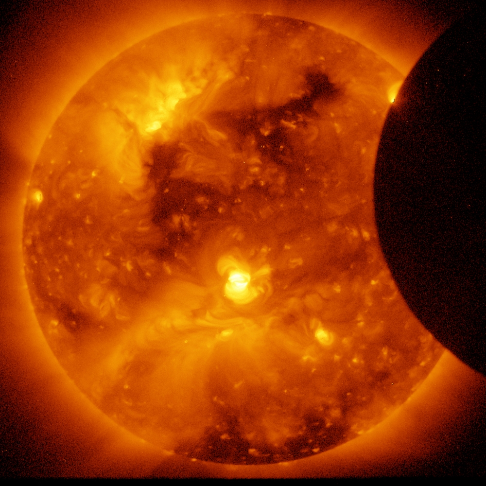 Photo of an annular solar eclipse taken by the solar optical telescope Hinode as the moon came between it and the sun. Credit: Hinode/XRT